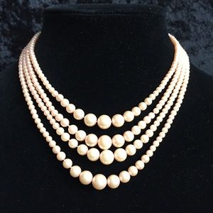 Vintage Peachy Oink Pearl Necklace q007